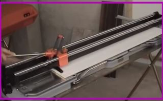 Как пользоваться плиткорезом: особенности правильной резки плитки