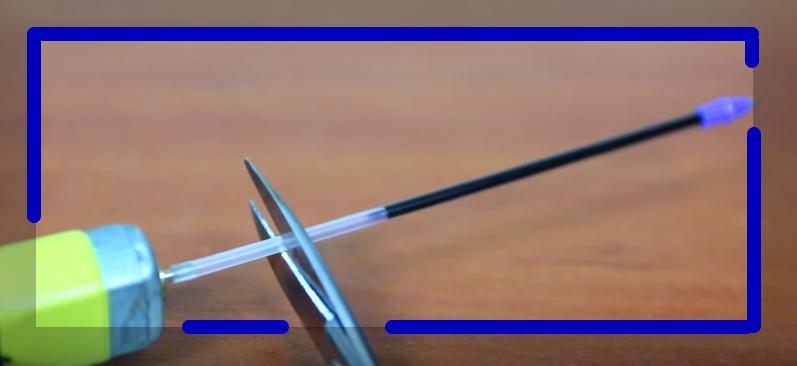 Используем стержень от ручки