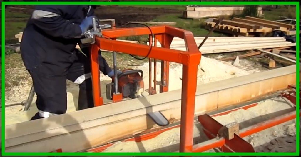 Использование бензопилы для роспуска бревен